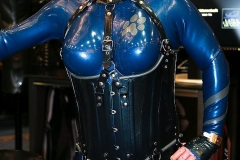 mein Big-Boobs-Catsuit von Fantastic Rubber