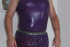 Shirt und Short von rubberik.at