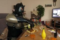 Mittagessen mit Fisch und Wein 1