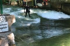 Surfen im englischen Garten