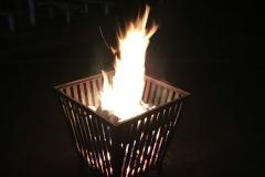 Feuer im Innenhof