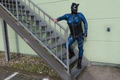 verloren auf der Treppe