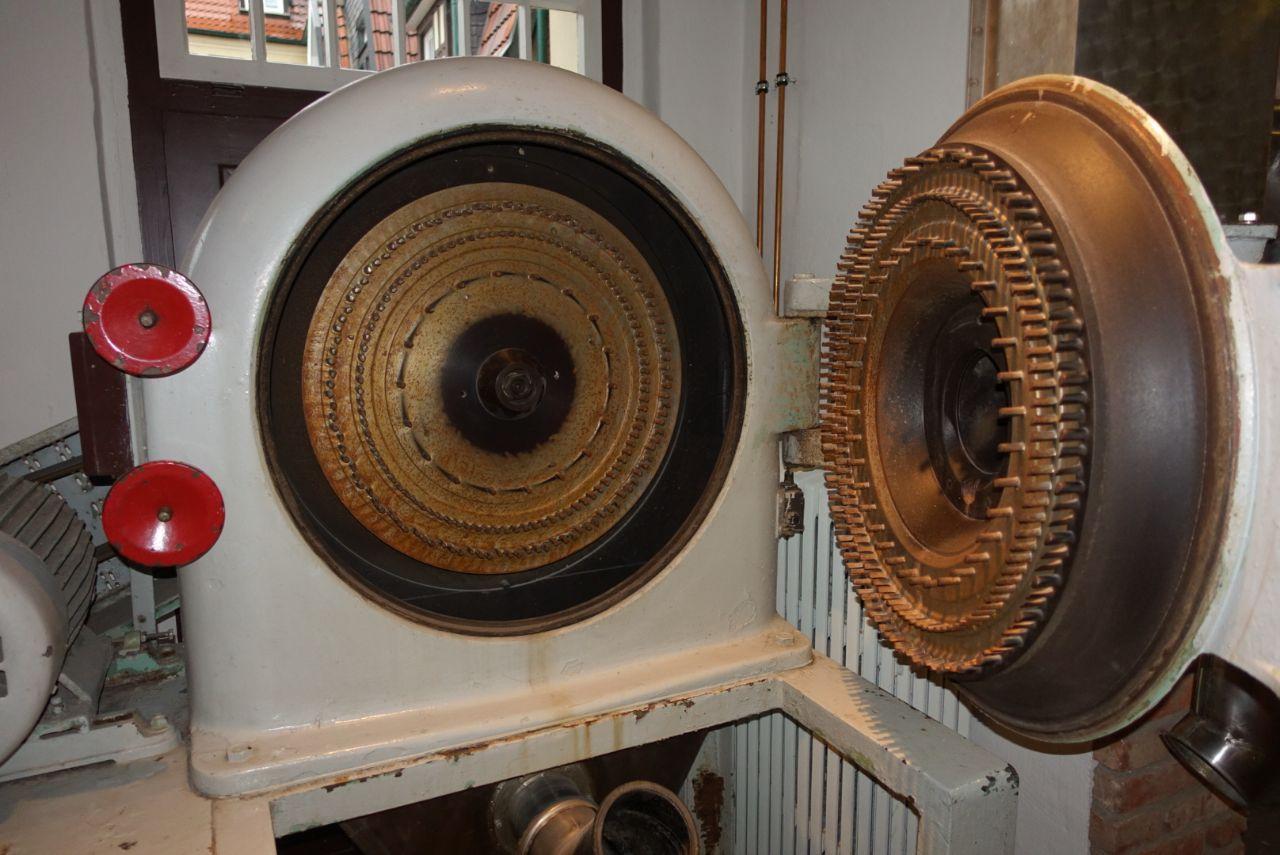 moderne Schrotmühle