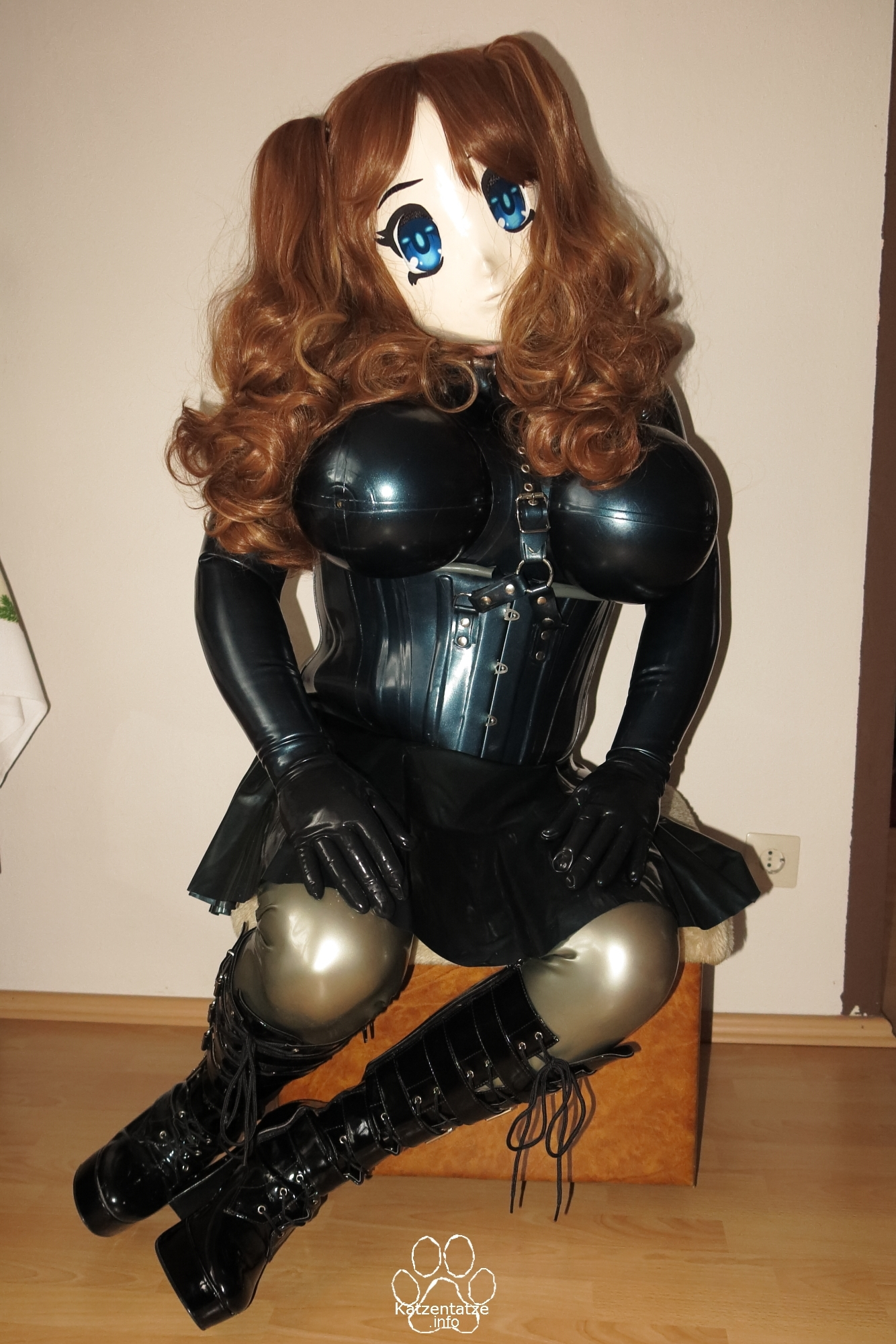 Asuka as rubber maid