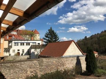 Vesper auf der Terrasse der Hotels