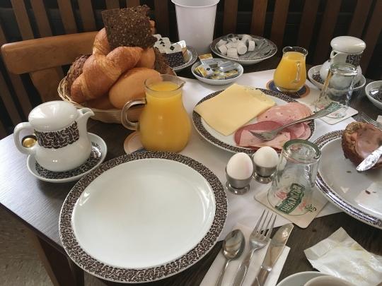 lecker Frühstück im Hotel