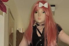 Yuki vor dem Zimmer im Hotel