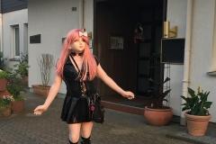 Yuki vor dem Hotel Am Röttgen