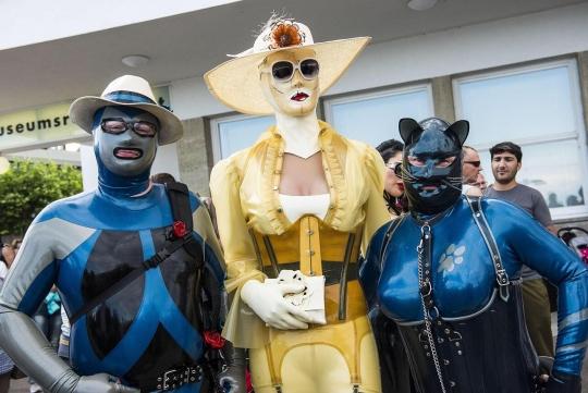Bild aus dem Südkurier mit Rosenkavalier, Chrissie Seams und Katzentatze (Bild vom Südkurier)