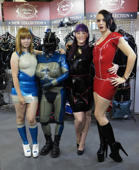 Rebecca , Marie Katherina, Sola Lupa auf dem Stand von llde Saxe