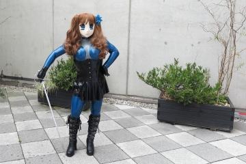 Asuka Akira Kig mit Schwert