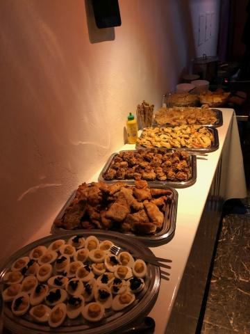Essen im Keller
