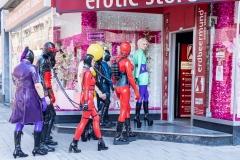 Polonäisse in den Erotik Store
