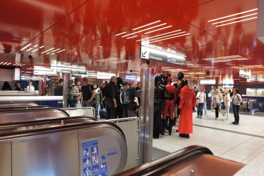 Treffen in der U-Bahn Marienplatz