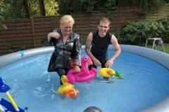 Dagmar und Andy im Pool