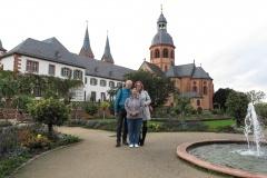 Susi, Petra und Manfred in Seligenstadt, Klostergarten