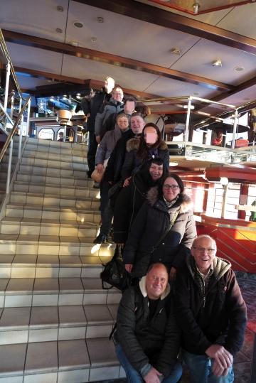 Gruppenfoto im Schiff
