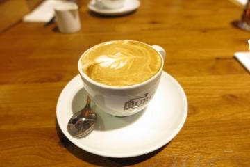Kaffee im Wasserschloss