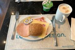 Frühstück am Freitag im Hotel