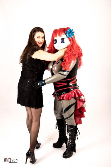Majikku Kig und Model Susanne im Fotostudio