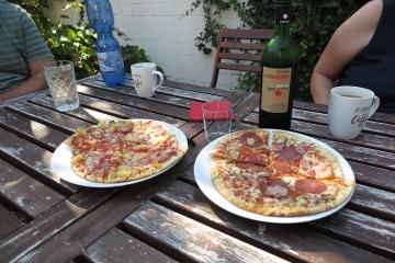 Pizza am Nachmittag