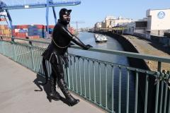 Katzentatze im Osthafen Frankfurt