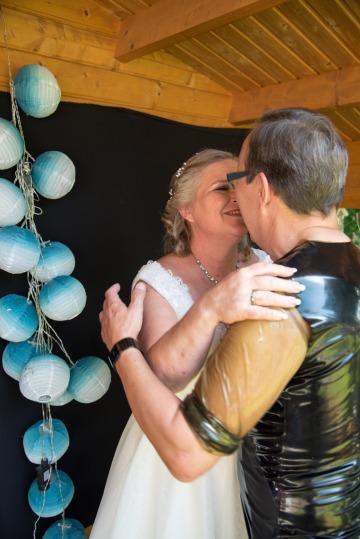 Hochzeit, der erste offizielle Kuss