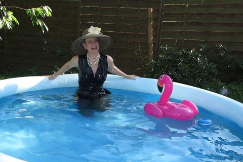 Bisschen kühl im Pool oder?