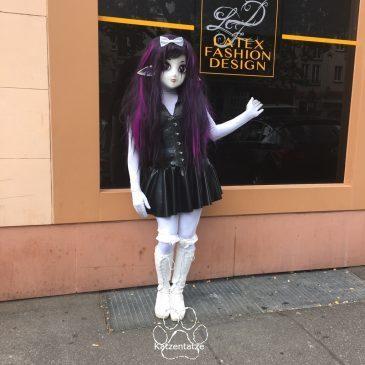 Sektempfang bei Latex Fashion Design und Yuki im Latexkaufrausch